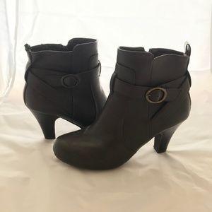 Madden Girl Sirren ankle booties